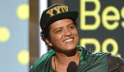 5 artists who could make Grammys history in 2022: Bruno Mars, Taylor Swift, Lady Gaga …