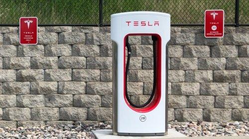 Tesla erhöht Supercharger-Preise deutlich