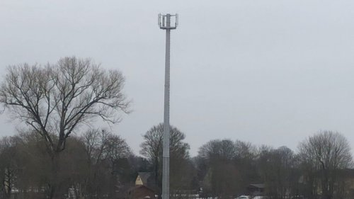 Bürokratie verhindert Glasfaser für Mobilfunksendemast