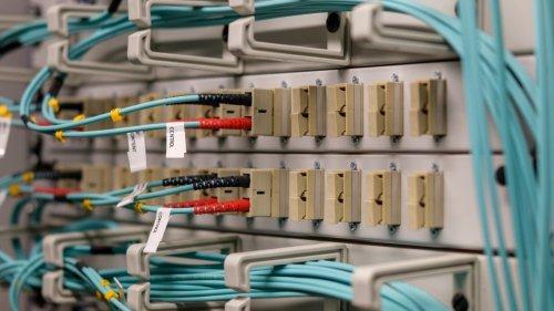 Vermieter dürfen Kosten für Glasfaserleitungen umlegen