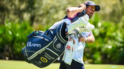 3 unnecessary items that make your golf bag too heavy, according to Tour caddies