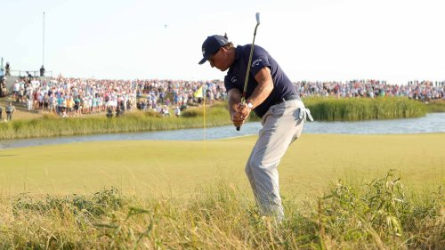 Phil Mickelson's 3 tips for hitting better chip shots around the greens