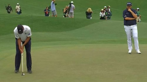 'I've never seen that': Announcers react to eye-catching putting style