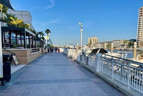 Tampa Florida: Rolling with the Riverwalk
