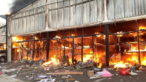 Hammarsdale cold storage looted and set alight as hundreds clean up on Mandela Day