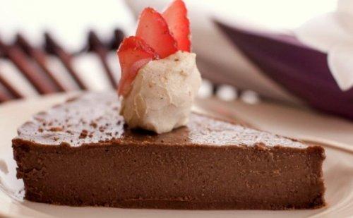 Creamy French Silk Chocolate Pie Recipe