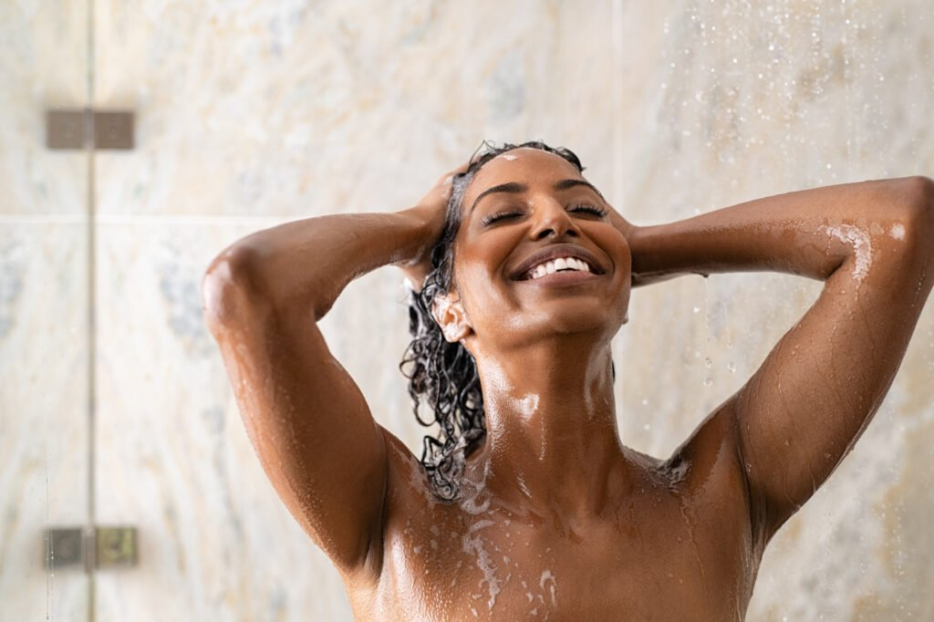 3 Common Shampooing Mistakes You're Probably Making & How To Get Cleaner, Healthier Hair