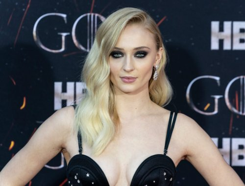 You Have To See Sophie Turner's New Hair Color