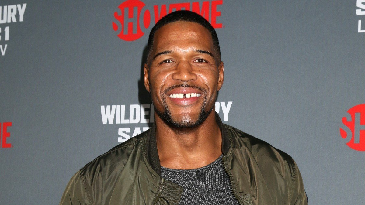 Michael Strahan Posts Rare Vacation Pics Of All Four Kids On Instagram