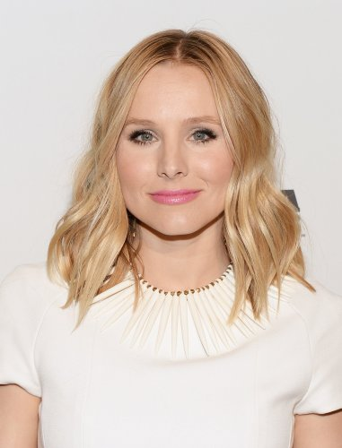 Kristen Bell Sparks Health Concerns After Troubling Road Trip Photo With Husband Dax Shepard