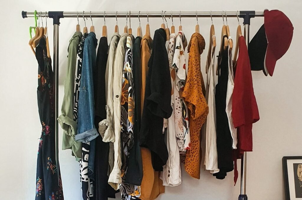 5 Tips To Easily Organize Your Closet With What You Have, According To The Experts