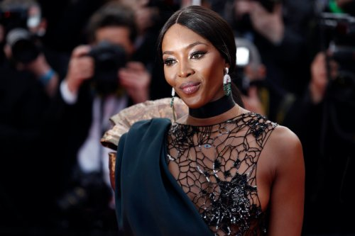 Naomi Campbell Shares Topless Pic For Magazine Cover - Gossip Cop