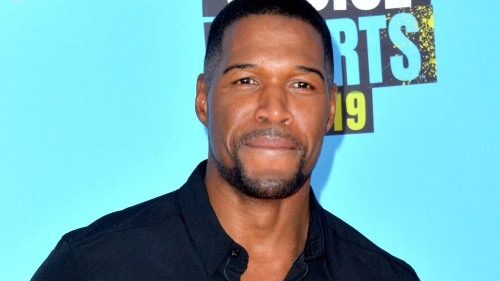 Fans Support Michael Strahan After 'GMA' Star Posts About 'Devastating' Loss