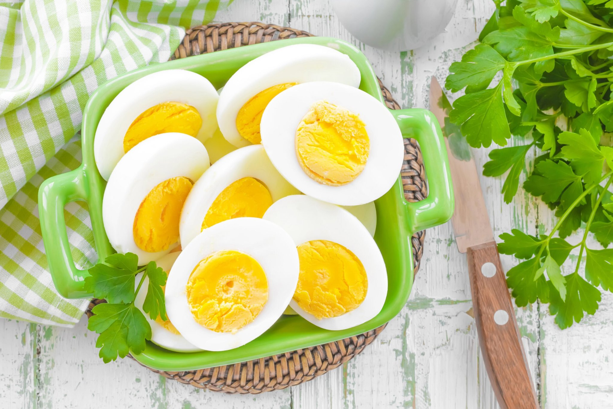 It Turns Out You Can Make Hard Boiled Eggs Without Boiling Them – Here's How