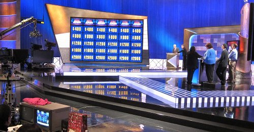 """""""Jeopardy"""" Fans Are Losing It Over New Guest Host"""