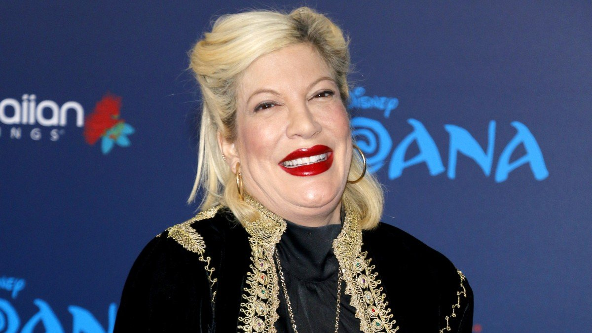 Tori Spelling Pregnant With 6th Baby After Threatening 'Henpecked' Dean McDermott's $500 A Week Allowance?
