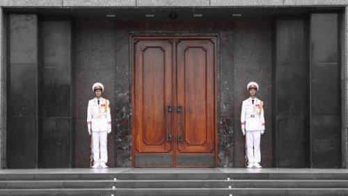 Ho Chi Minh Mausoleum: Travel in Vietnam