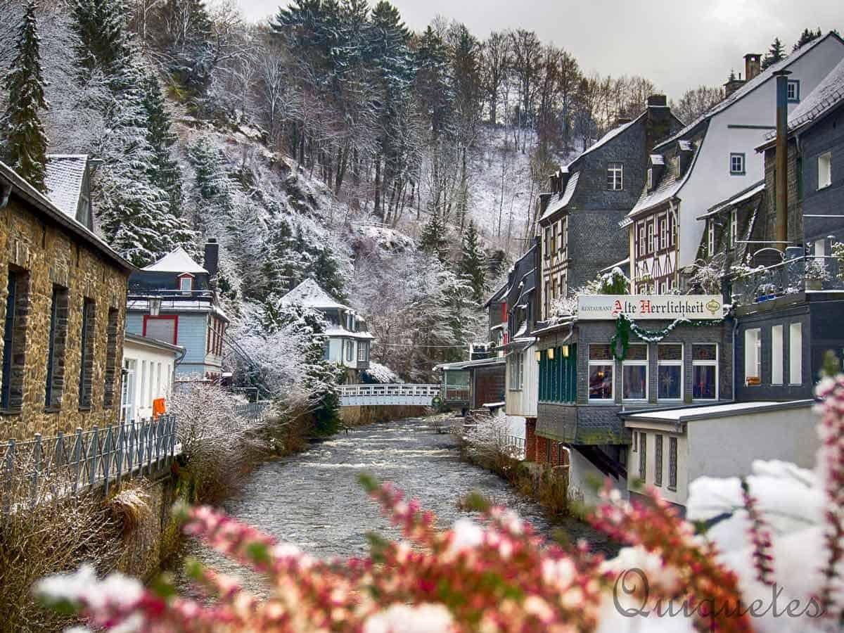 Snow-Globe Christmas: Monschau Markets