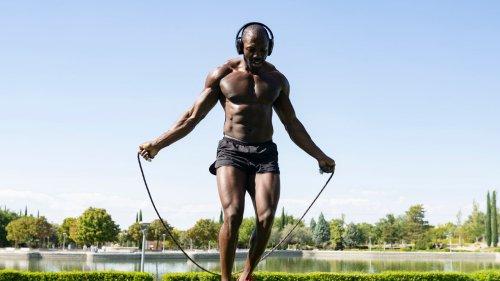 Ausdauer trainieren: Ist Seilspringen oder Laufen besser?