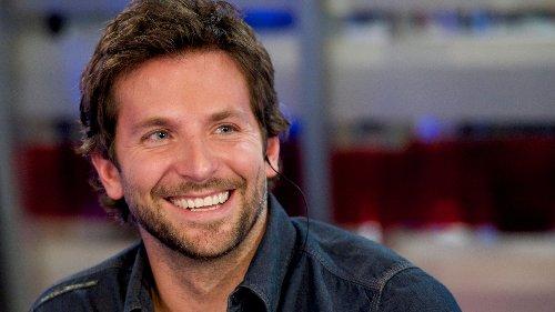Bradley Cooper trägt die beste Jacke für den Frühling – und sie kostet unter 70 Euro