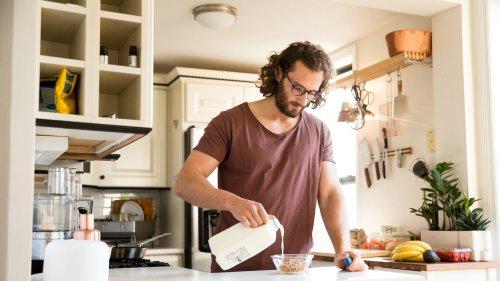 Diese 6 Fehler verlangsamen den Stoffwechsel und machen dick – diese Tipps helfen