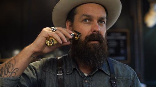 How to Trim Your Big, Bushy Quarantine Beard