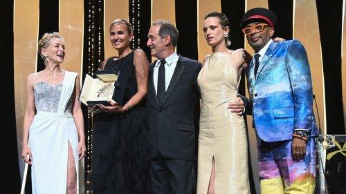 Cannes 2021, «Titane» vince dividendo la critica
