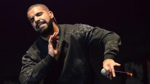 Voici la première paire de sneakers de la collaboration entre Drake et Nike