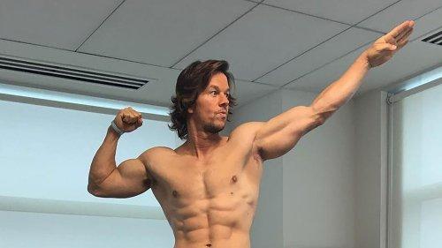 Cet exercice est le meilleur moyen d'avoir un ventre plat et des abdos marqués comme Mark Wahlberg