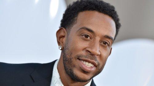Le rappeur américain Ludacris prétend être la première personne à conduire une Mercedes-Benz entièrement électrique et la teste sur Instagram