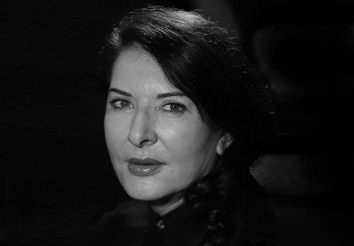 Marina Abramović, la Madrina del arte de la performance