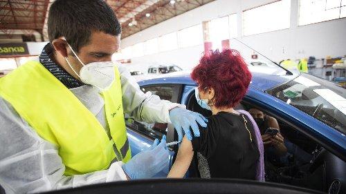 El 20% de los granadinos ya ha recibido al menos una dosis de la vacuna contra el coronavirus