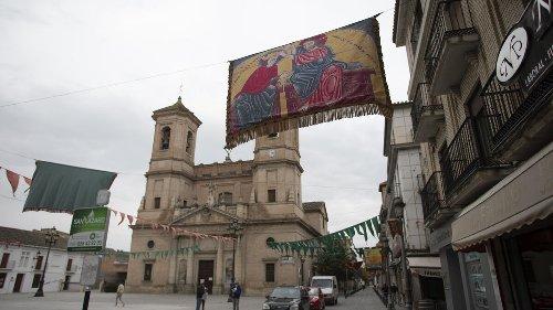 La Junta sube el nivel de alerta en toda Granada, restringe horarios y cierra 35 municipios