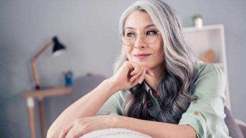 Cheveux épais après 40 ans : comment donner du volume à sa chevelure ?