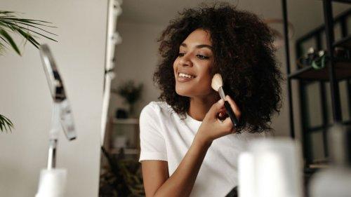 Soin de la peau : quels sont les bons gestes à intégrer à sa routine beauté après 40 ans ?