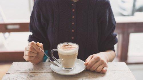 Voici la recette du chai latte, la boisson ultra réconfortante qui va faire notre automne