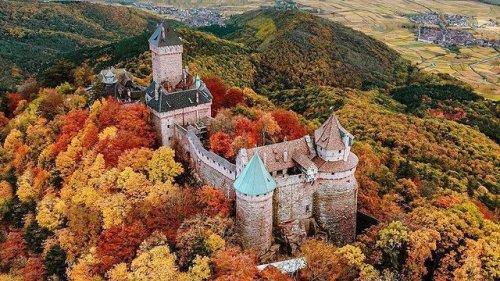 Voyage en France : 12 châteaux historiques magnifiques mais méconnus des touristes (Versailles attendra) !