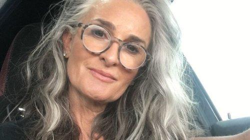 Cheveux gris : 12 femmes canons repérées sur Pinterest qui nous font accepter notre chevelure grise