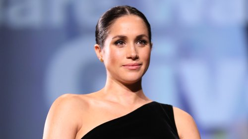 Meghan Markle: Celebrated At Fashion Awards, Brought Down By Aide's Resignation - Grazia