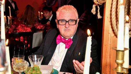 Fashion Designer Alber Elbaz Dies from Covid-19 at Age 59 - Grazia USA