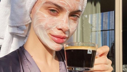 The Best Clay Masks To Treat Blackheads Without Drying The Skin