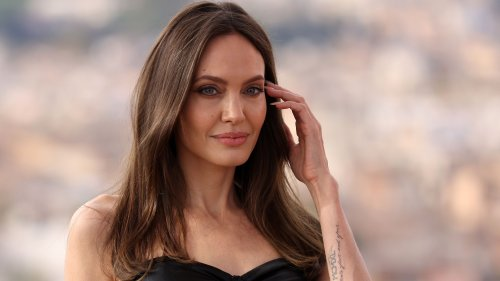 We Unpack Angelina Jolie's Really Bad Red Carpet Hair Extensions
