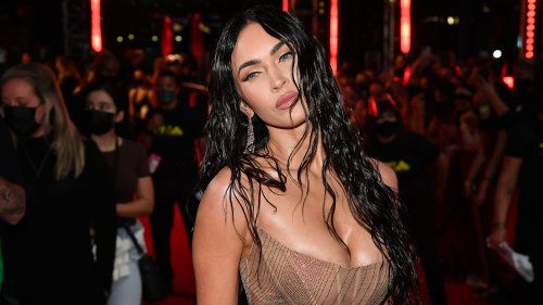 Megan Fox Wears Mugler To 2021 VMAs And The AirBnb Table Approves
