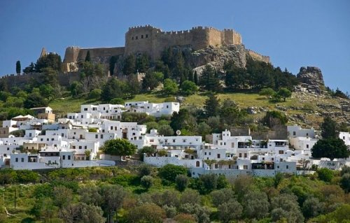 The Rich History of the Acropolis of Lindos