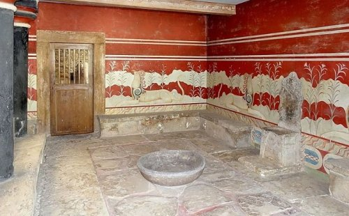 The Mystery of the Oldest Throne in Europe at the Palace of Knossos