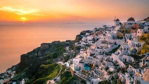 """Santorini Crowned """"Most Beautiful Sunset Destination in the World"""""""