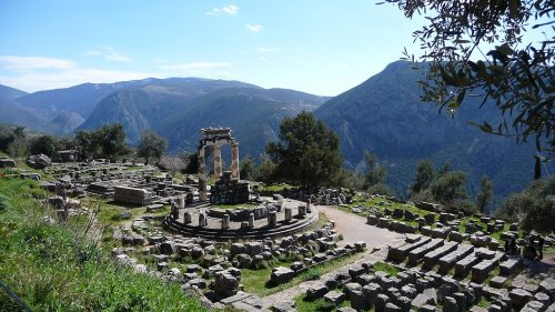 From Delphi to Google: Ancient Oracle to Modern-Day Search Engines