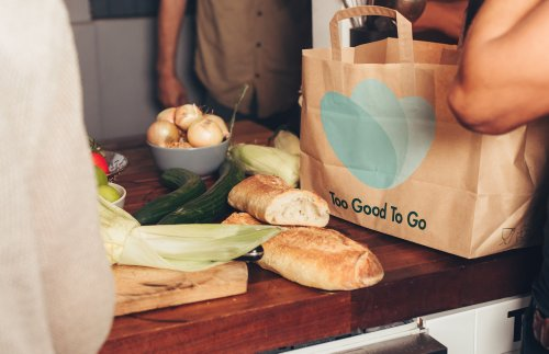 Dumpster-diving by app, 'Too Good To Go' is cutting down on food waste