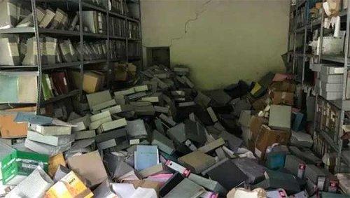 Modena, ufficiale dei CC scaraventa a terra l'archivio: sottoposti costretti a raccogliere tutto