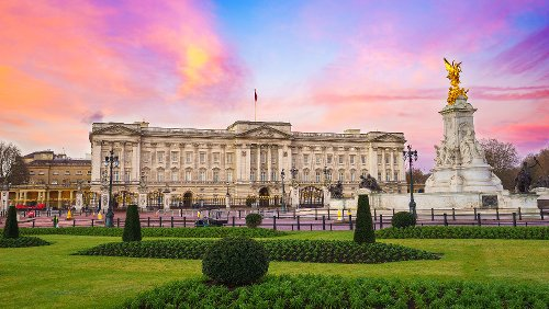 The Most Bizarre Things To Ever Happen At Buckingham Palace